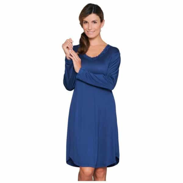 blå silkenatkjole langt ærme