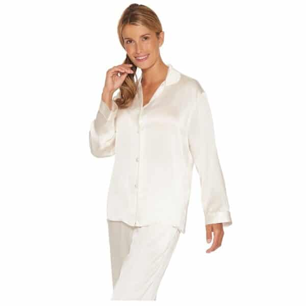 hvid silkepyjamas