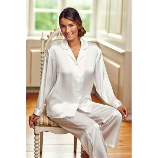 hvid silkepyjamas Lady Avenue